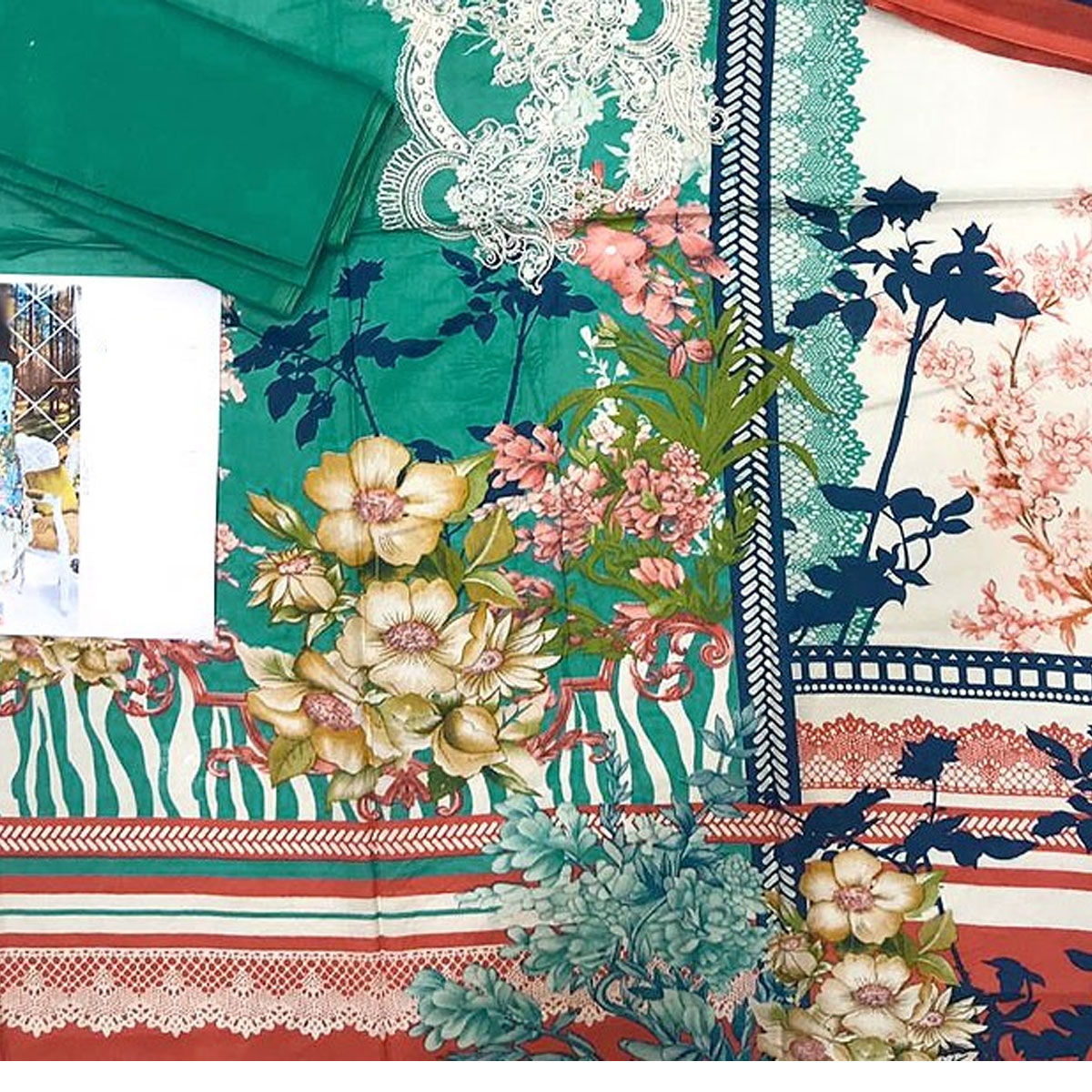 Pakistani Embroidered Lawn Suit 2020 with Chiffon Dupatta (DRL-415) (Unstitched) Gallery Image 3