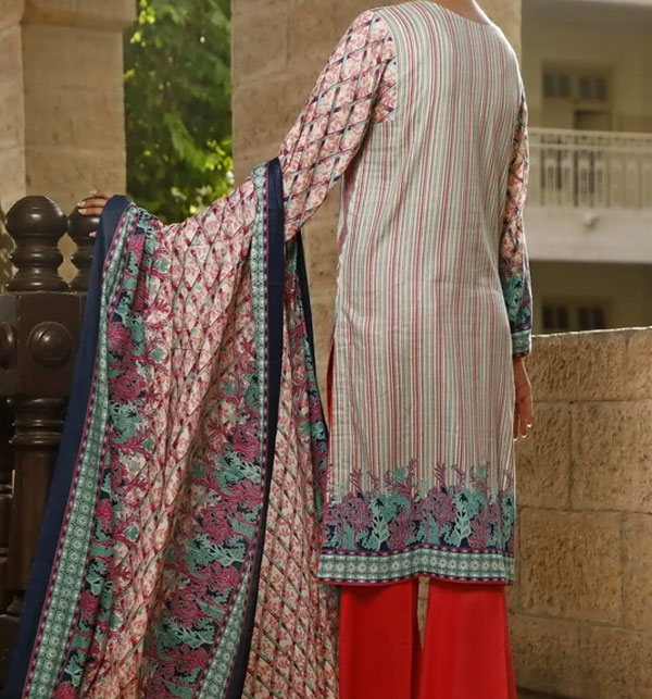 VS Classic Printed Lawn Collection With Lawn Dupatta 20-117A Gallery Image 1