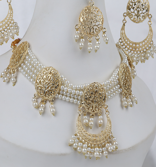 Golden And Pearl Jewelry Sets With Matha Patti (PS-263) Gallery Image 1