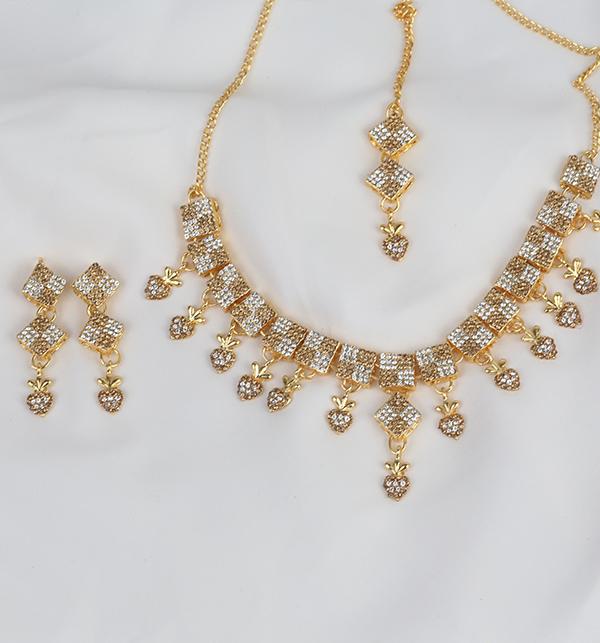 Stylish Women Necklace jewelary Set (PS-271) Gallery Image 1