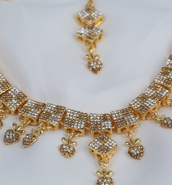Stylish Women Necklace jewelary Set (PS-271) Gallery Image 2