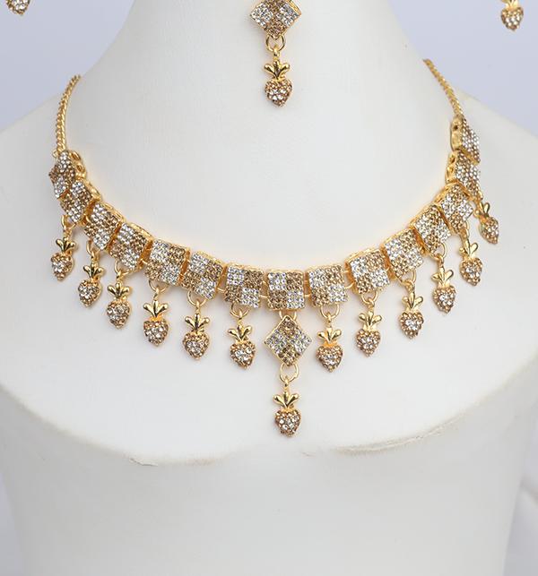Stylish Women Necklace jewelary Set (PS-271) Gallery Image 3