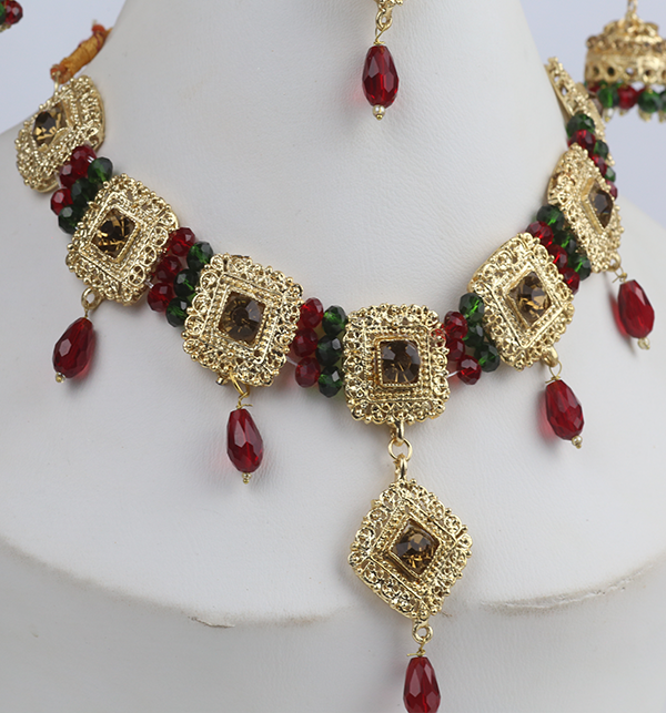 Designer Golden Jewellery Set with Matha Patti (PS-273) Gallery Image 2