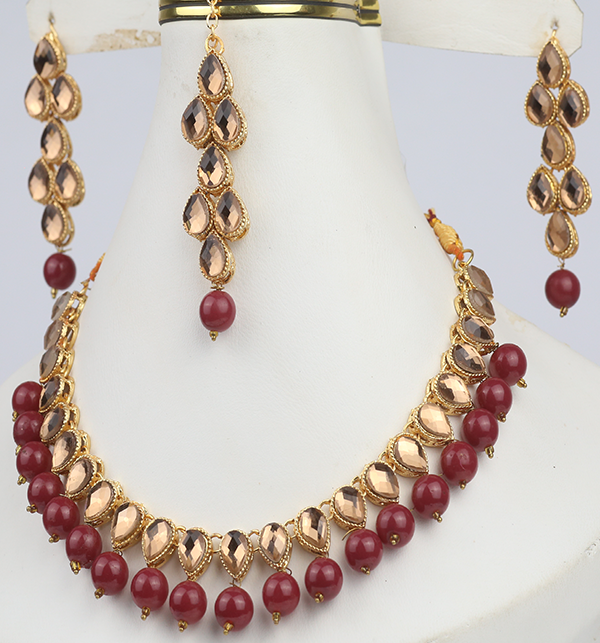 Beautiful Stone Necklace Set For Girls (PS-291) Gallery Image 1