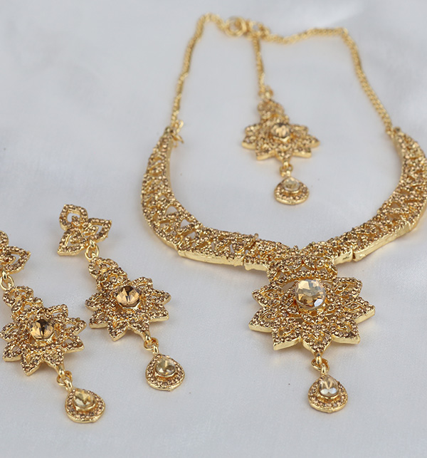 Stylish Golden Necklace Set For Girls (PS-306) Gallery Image 1