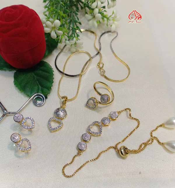 Zircon Stylish Heart Necklaces Jewelry Set For Girls (PS-318) Gallery Image 1