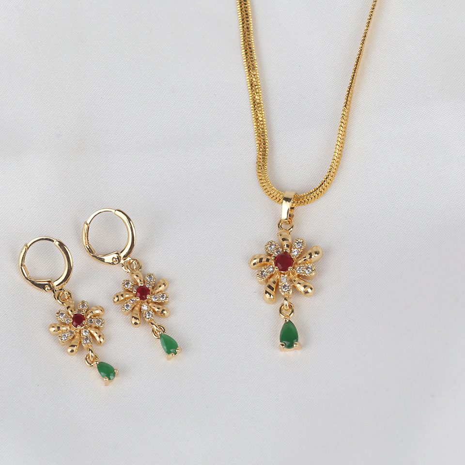 Stylish Golden Chain Necklaces Jewelry Set For Girls (PS-320) Gallery Image 1