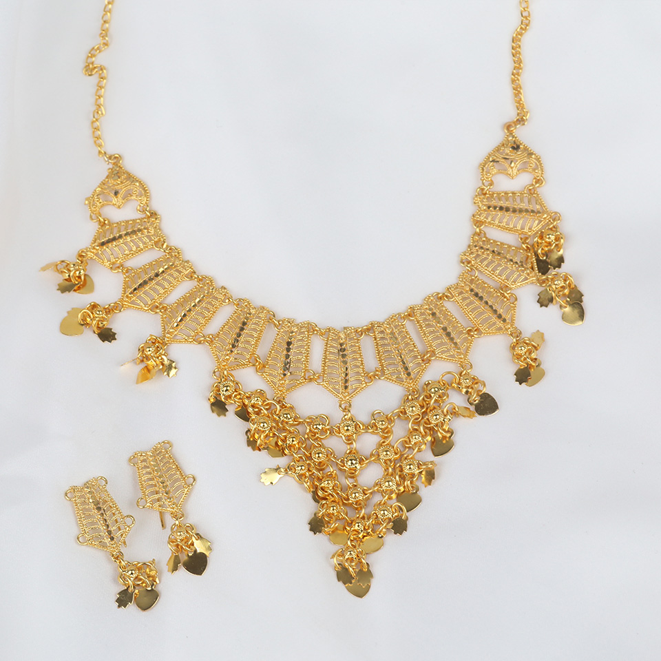 Golden Insdian Necklaces Jewelry Set Design 2021 For Girls (PS-321) Gallery Image 1