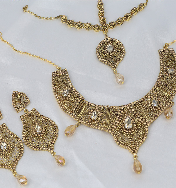 Stylish Golden Jewelry Set Design 2021 For Women (PS-354) Gallery Image 1