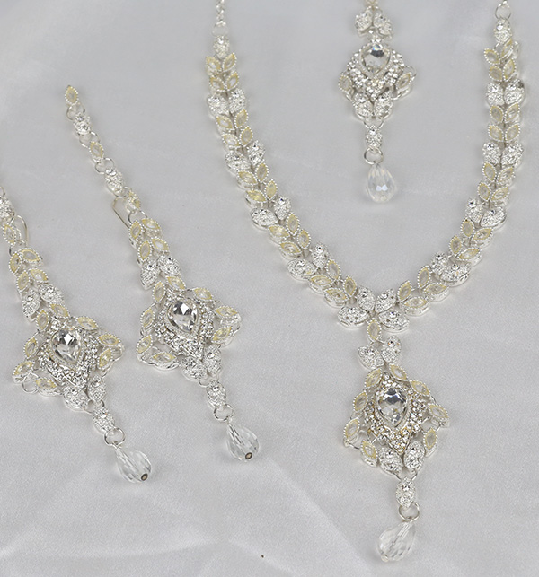 Stylish Silver Jewelry Set Design 2021 For Women (PS-355) Gallery Image 1
