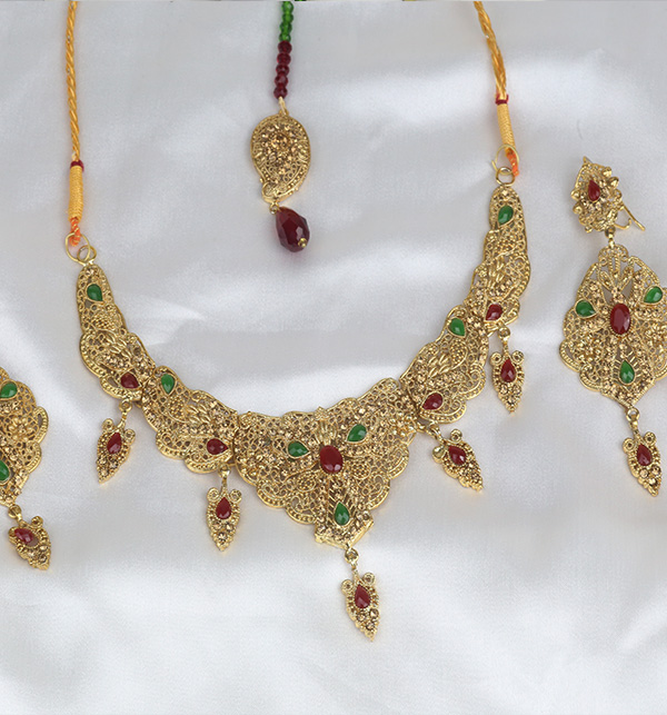 Multicolor jewelry Set With Matha Patti (PS-384) Gallery Image 1