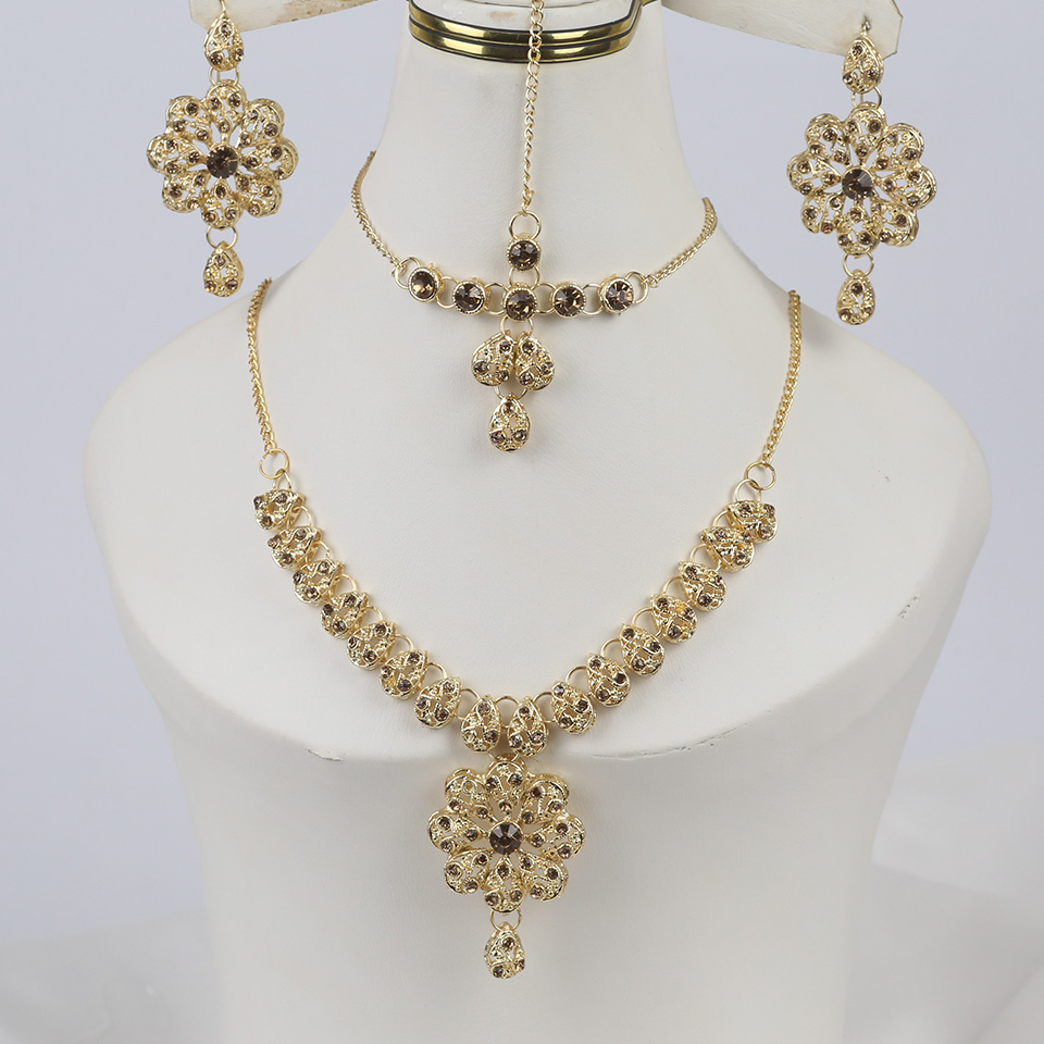 Indian Style Jewelry Sets With Matha Patti (PS-328)