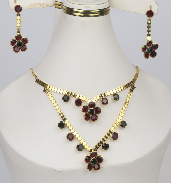 Latest Golden Jewelry Set Design For Women (PS-364)