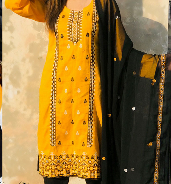 LAWN Heavy Embroidered Dress With Embroidered Chiffon Duppata UnStitched (DRL-656)