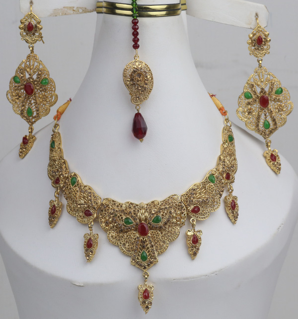 Multicolor jewelry Set With Matha Patti (PS-384)