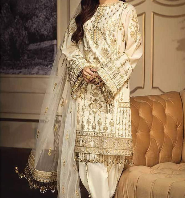 New LUXURY LAWN Suit 2020 With Net Heavy Embroidered Dupatta UnStitched (DRL-615)