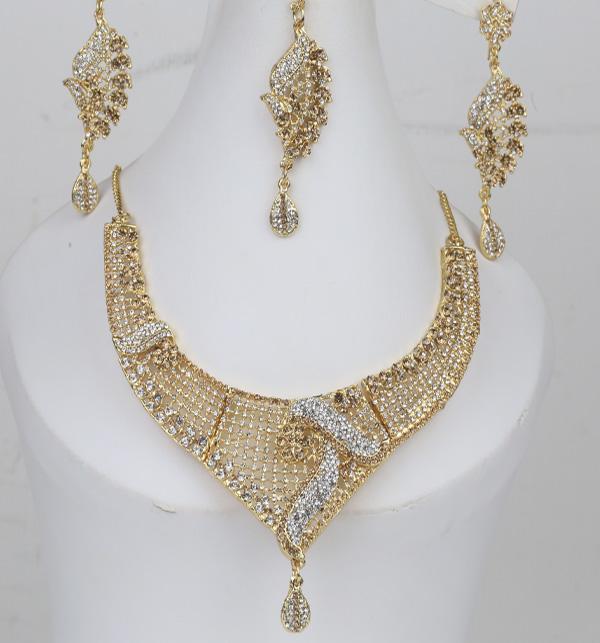 Beautiful Stone Jewelry Set With Earring & Matha Patti (PS-389)