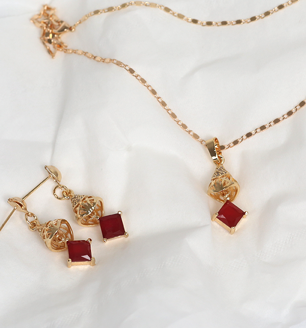 Beautiful Necklace Set Red Stone With Earrings &Ring (PS-176)