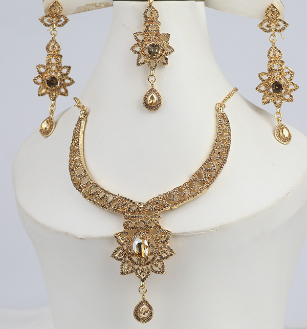 Stylish Golden Necklace Set For Girls (PS-306)