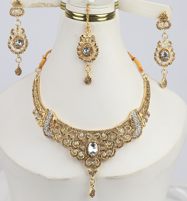 Stylish Jewellery Set for girls Latest Design Necklace,Earrings,Mathapati (PS-295)