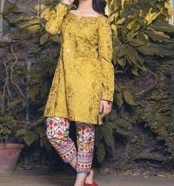 Lawn Heavy Embroidery Suit With Embroidery Trouser UnStitched (DRL-740)
