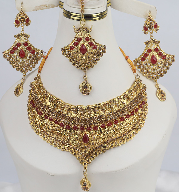 Bridal Beautiful Jewelry Designs Earing With Matha Patti For Women  (PS-340)